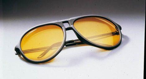 Éjszakai szemüveg + éjszakai klipsz.