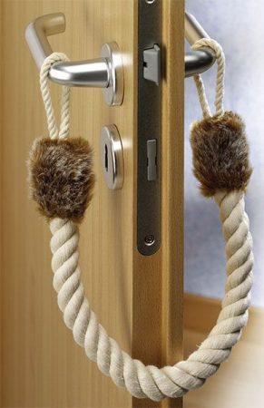 WESTFÁLIA ajtóboly, mely megakadályozza az ajtó becsapódását.