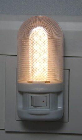 Heitronic LED éjszakai fény kapcsolóval, 5 LED-es, 1 watt