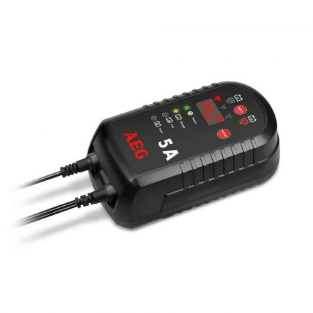 AEG mikroprocesszoros akkumulátortöltő LD5.0-5,0A, automatikus töltés rendszer.